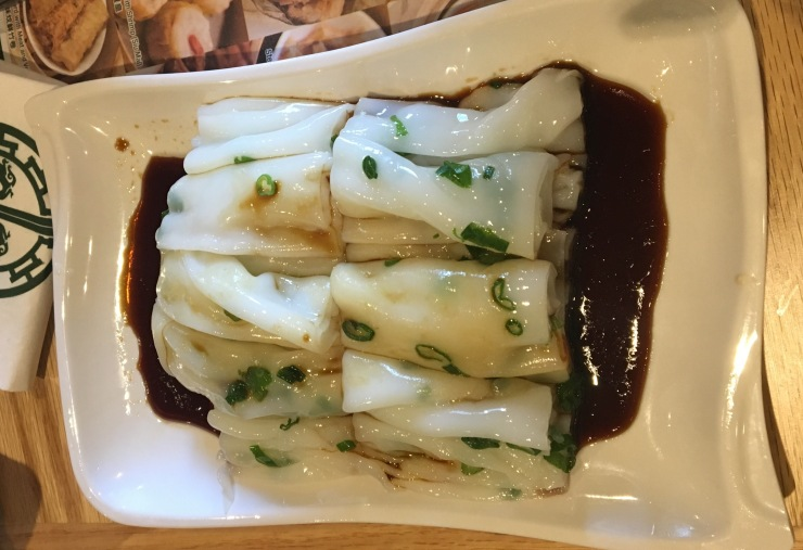 The plain rice noodles with scallion and soy sauce.